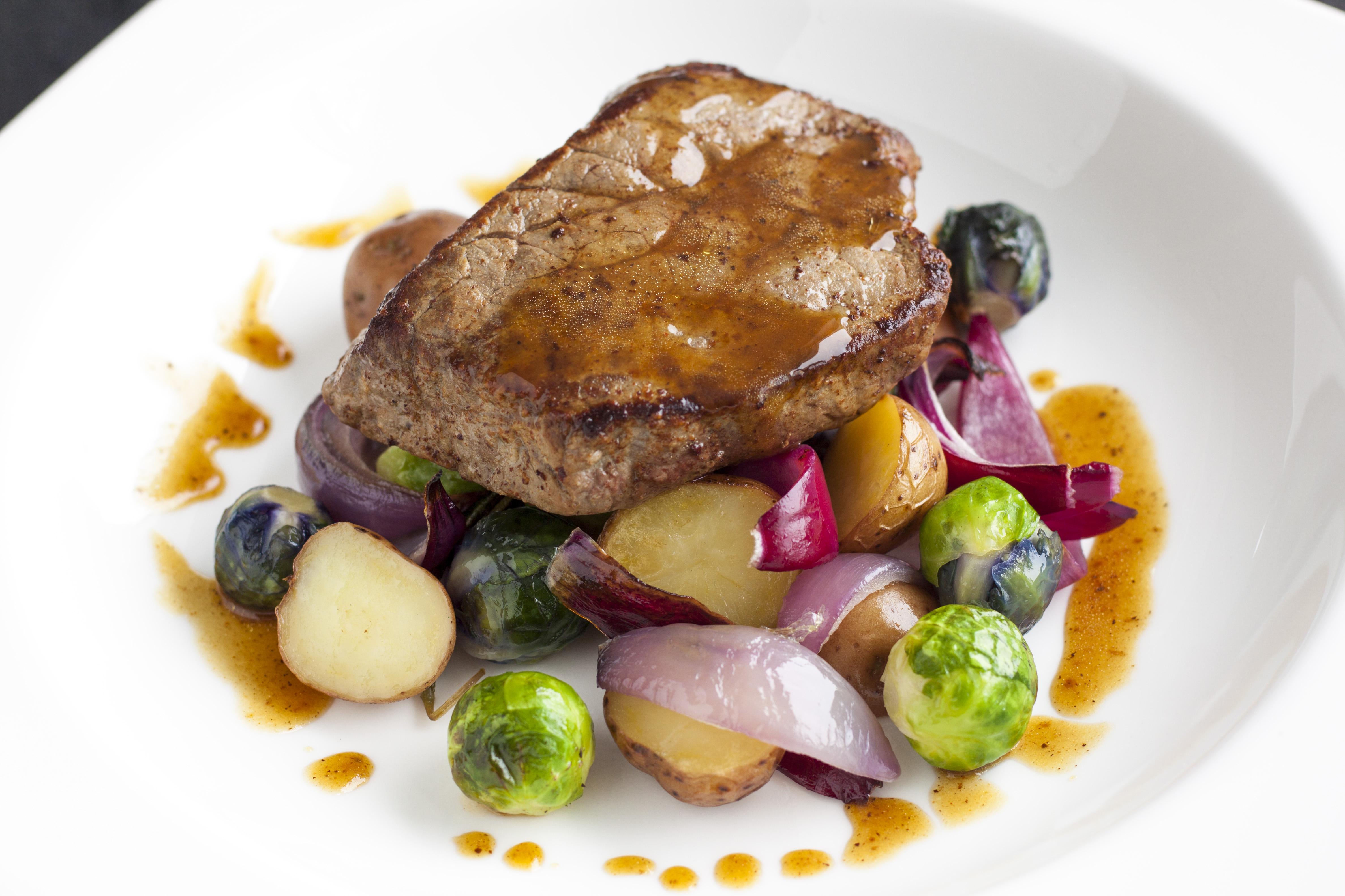Biefstuk met geroosterde groenten uit de oven